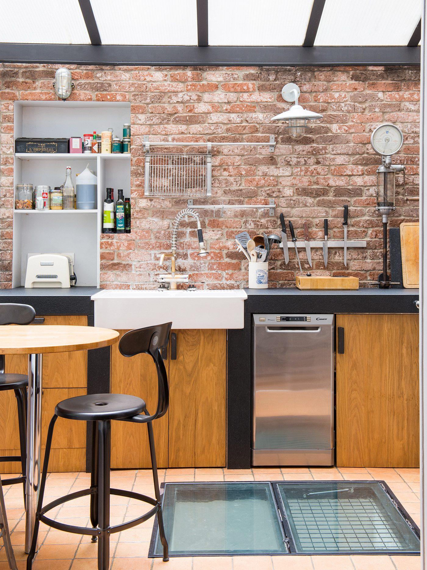 D coration d 39 un appartement industriel de 100m2 marion for Cuisine 8 metre carre